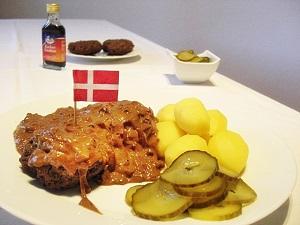 Dänische Hackfleischsteaks | Hakkebøf