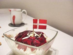 Dänischer Milchreis mit Kirschsoße