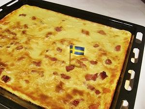 Schwedischer Fläskpannkaka auf dem Blech