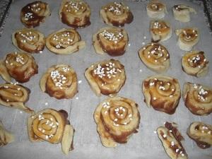 schwedische Zimtschnecken fertig für den Ofen